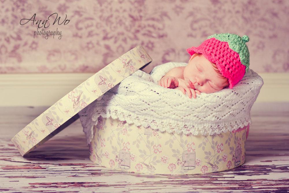 newborn photographer camberley surrey london