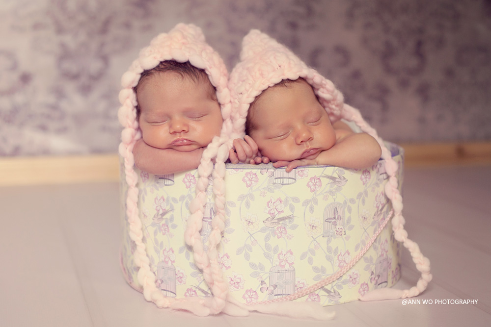 newborn photography session with TWINS – Reading, Berkshire