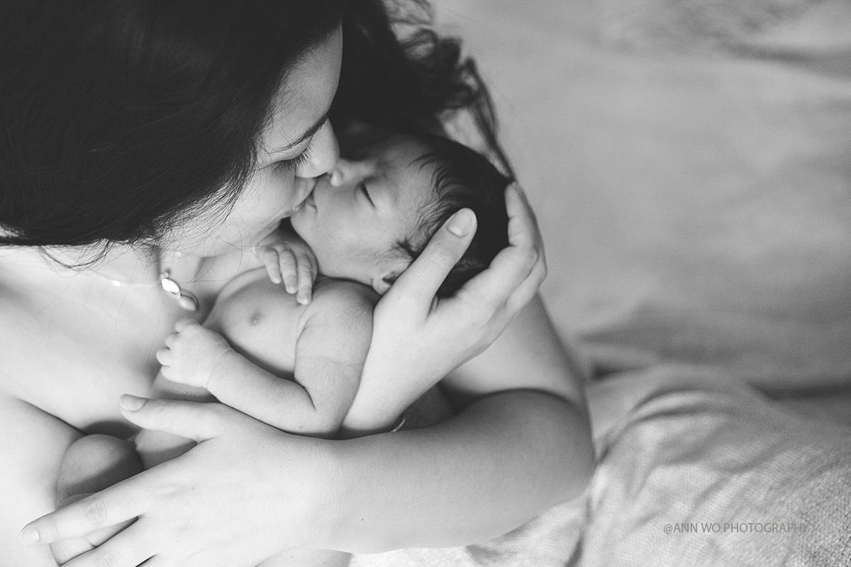 skin to skin mum and baby